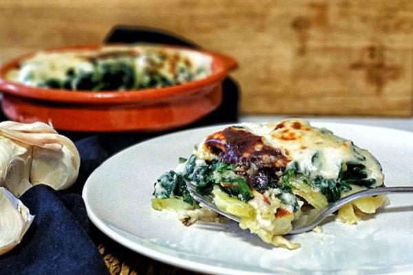patatas-al-horno-con-espinacas-a-la-crema-2